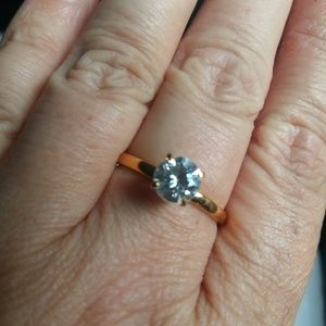 14KT HGE Lind Jewelers Ring